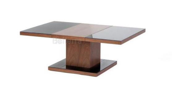 Luxusní stůl z ořechového dřeva